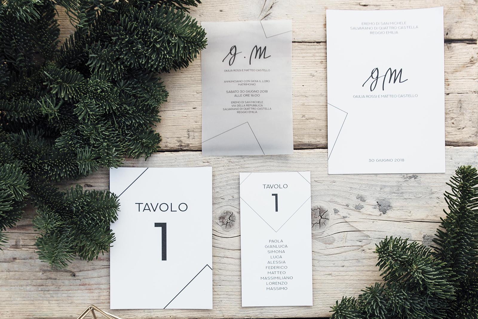 Mugga Design wedding suite coordinato geometrico nordico con iniziali monogrammed scritte a mano